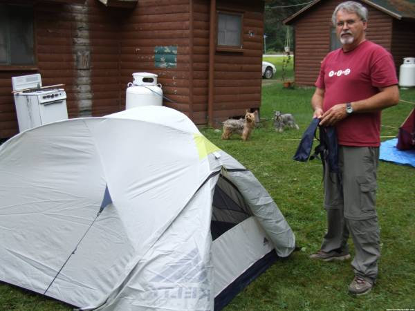 Maniac1957 sets up his tent