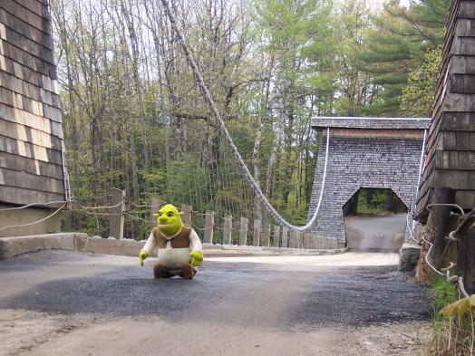 11shrek_at_bridge_2_