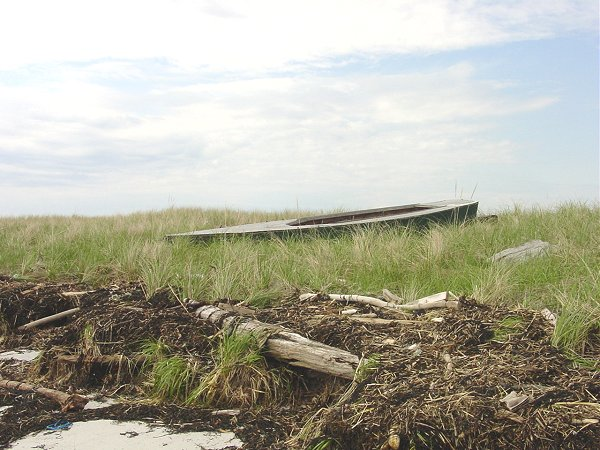7Boat_on_Beach
