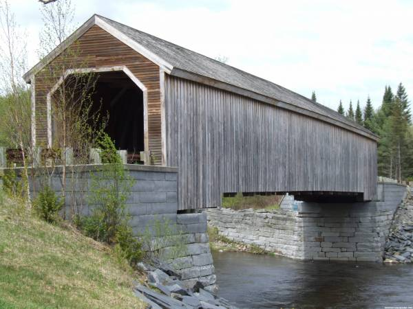 Lowe's Covered Bridge